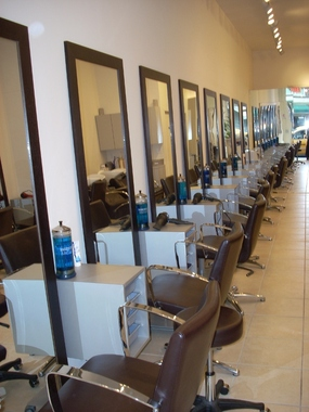 Les Portes De Paris Hair Salon