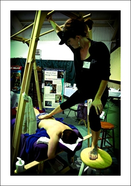 Heeling Sole Barefoot Massage - Ashiatsu