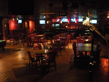 Jumps Bar &amp; Grill