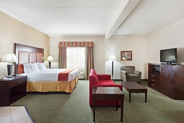 Holiday Inn Express Louisville-I-265 East