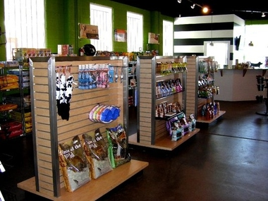 Paw Paw&#039;s Self Serve Dog Wash &amp; Boutique