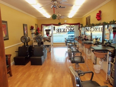 Salon Moxie