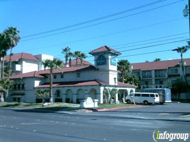 La Quinta Inn &amp; Suites Lakewood
